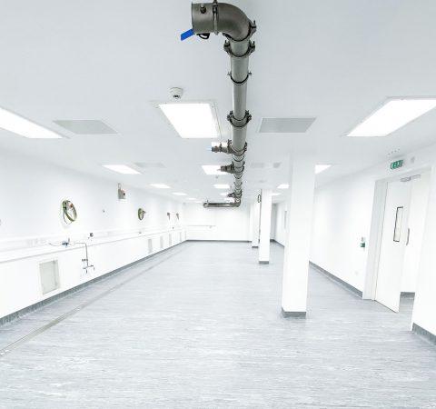 vectura-laboratory-refurbishment-sterile-containment-isolator-inhalational-pharmaceutical-drug-manufacturing-refurbishment-cleanroom
