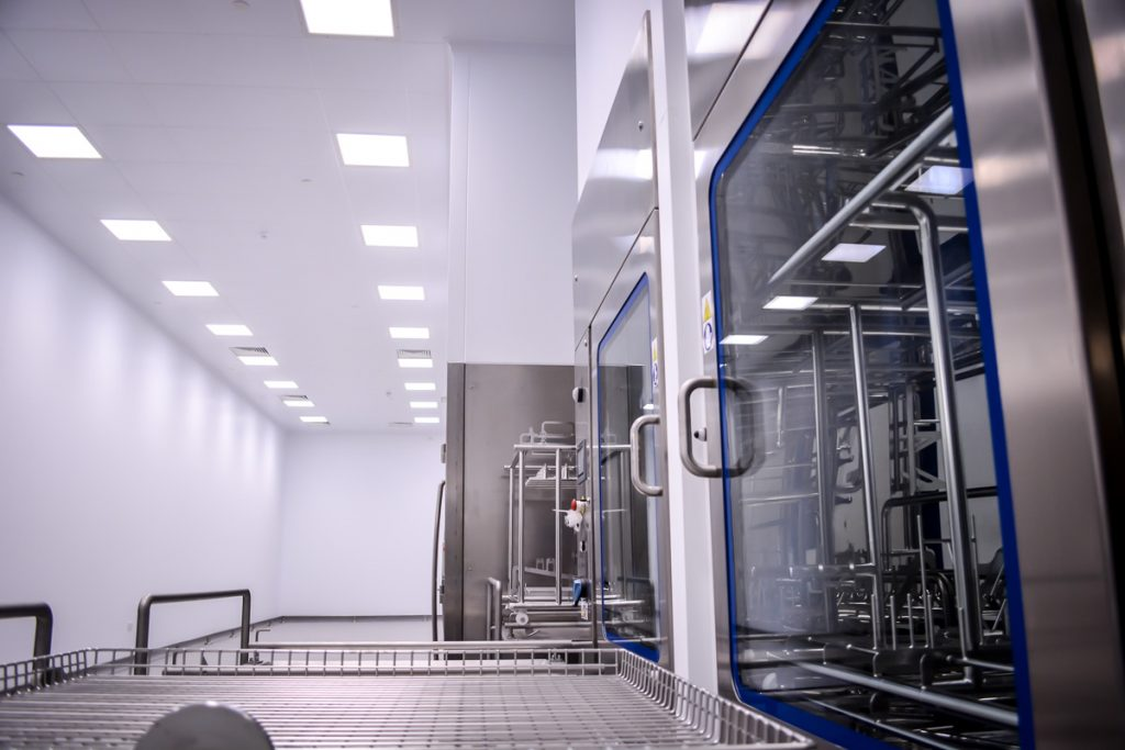 gmp-hygiene-facility-sterile-wash-machinery-containment-pressure-pharmaceutical-manufacturing-04